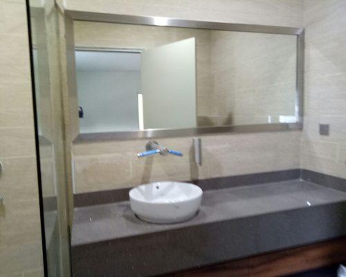Director_s Toilet (3)